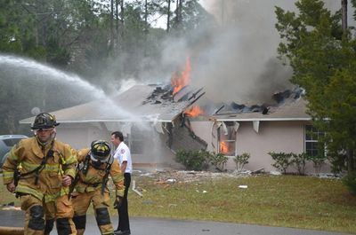 1.4.13_-_Plane_crash_palm_Coast.jpg