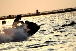 jet-ski-race-silhouette-3-1428220-300x199