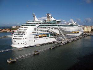 cruise-ship-1379082-300x225